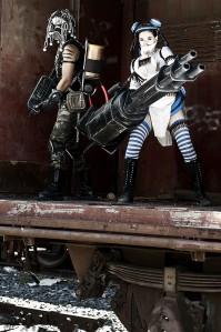 《失落的星球2》重装cosplay4_副本