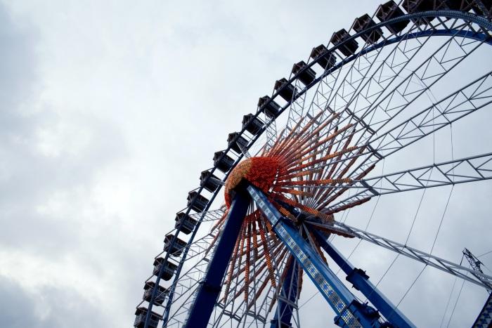 ferris_wheel_attraction_city_109275_7360x4912.jpg